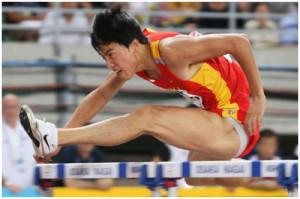 Los atletas de alto rendimiento hacen mucho ejercicio pero también tienen un tono muscular un 10 a 20% más alto que una persona sedentaria. De esa manera hacen ejercicio aunque estén aparentemente quietos